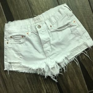 We The Free White Destroyed Cut Off Shorts Sz 28
